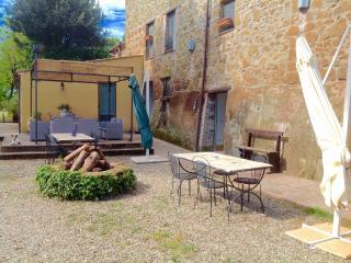 Agriturismo il Sentiero Farm House - Acquapendente vacation rentals