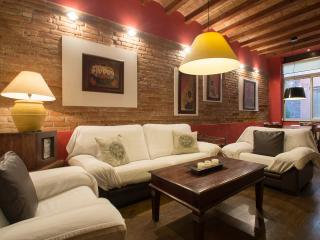 Wonderful apartment with charm in Gracia center - Barcelona vacation rentals