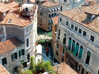 Perfect Big Beautiful Terrace Central AC Dorato - City of Venice vacation rentals