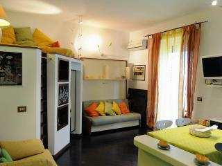 DOMUS ILARIA  WONDERFUL FOR COUPLES - Rome vacation rentals