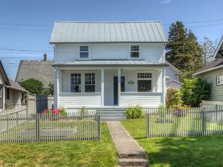 North Tacoma Modern Farmhouse - Tacoma vacation rentals