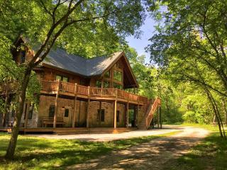 The Grand Arbor Cabin - Metamora vacation rentals