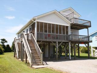 Eagle's Nest 5227 East Pelican Drive - Oak Island vacation rentals
