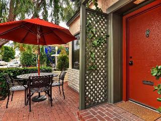 Ruby Avenue. - Quaint & Charming 3BR / 2BA Balboa Island Cottage - Newport Beach vacation rentals