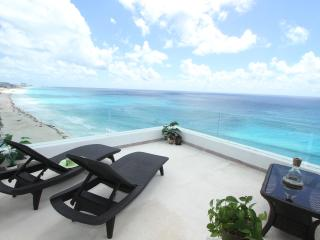 Ocean Front Penthouse 3000 updated Oct '14 - Cancun vacation rentals