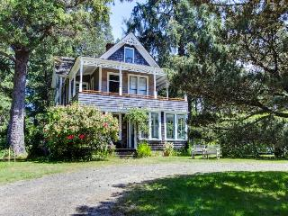 The Latourette House - Gearhart vacation rentals