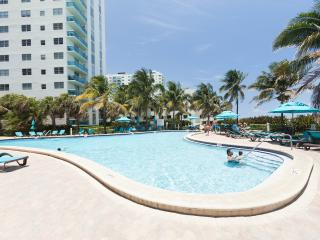 Hollywood FL ✦✦✦ ON THE BEACH - Hollywood vacation rentals