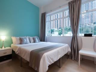 OASIS in Causeway Bay - 3 Bedrooms 2 Bath - Hong Kong vacation rentals