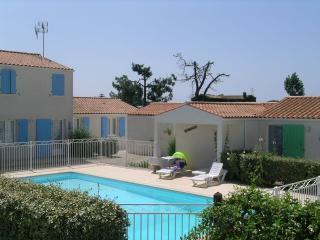 Blanc Bleu Vert - Le Chateau d'Oleron vacation rentals