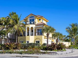 Casa de Mariposa Mansion, 6 Bedrooms, Gulf View, Elevator, Heated Pool - Sarasota vacation rentals
