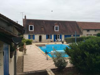 Demeure de charme à la campagne !!!! - Saint-Chartier vacation rentals