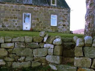 Speyside Luxury Cottage. On Malt Whisky Trail. - Aberlour vacation rentals