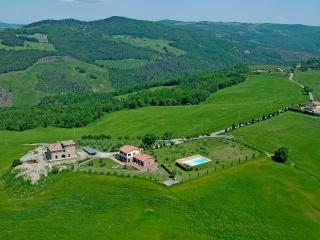 Agriturismo Il Poggiarello - appartamento 5 - Volterra vacation rentals
