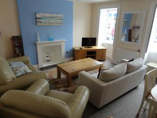 2 Bed Flat in the centre of Falmouth, with parking - Falmouth vacation rentals