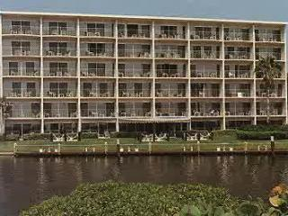 Canada House Bch.club Oceanfront Oct.3-10, $399/WK - Pompano Beach vacation rentals