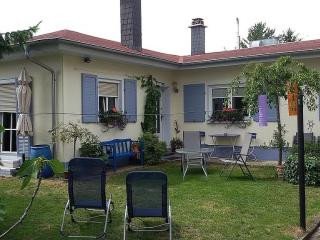 Vacation Apartment in Freinsheim - 753 sqft, large beds, lots of room, big backyard (# 674) - Freinsheim vacation rentals