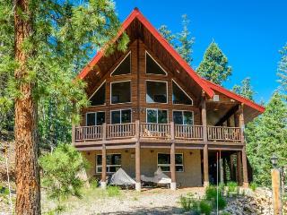 Strawberry Preserve Cabin - Vernonia vacation rentals