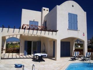 4 Bed Detached Villa in Chloraka, Paphos, Cyprus - Chlorakas vacation rentals