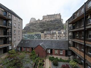 Studio Apartment with Castle View - Edinburgh vacation rentals