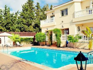 Well equipped villa in Paphos with free WiFi! - Kissonerga vacation rentals