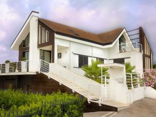 Villa Belohorizonte - Macerata vacation rentals