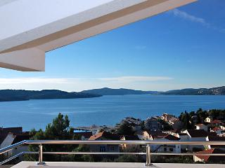 Lovely attic apartment with sea views 1355 - Okrug Gornji vacation rentals