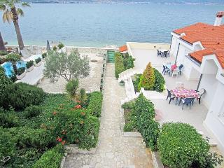 Holiday home right on the beach for 4p 5924 - Slatine vacation rentals