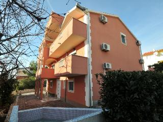 Cosy studio apartment with pool 11146 - Okrug Gornji vacation rentals