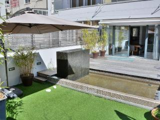 LxRoller Premium Garden City Center - Lisbon vacation rentals