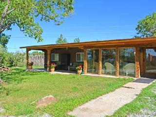 Cabin de Artistas (Cabin of Many Artists) - Arroyo Seco vacation rentals
