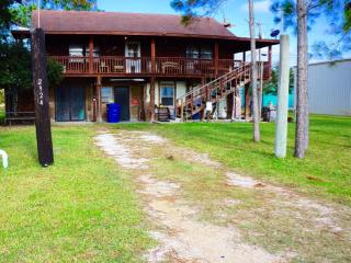 Port Pappy Apartment with Bonus Room - Port O Connor vacation rentals