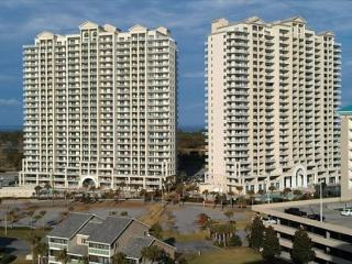 Ariel Dunes I 708, 3 pools, and the beach is just a minute away! - Destin vacation rentals