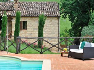 Special Price September- Rigogolo - Sant'Angelo In Pontano vacation rentals
