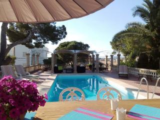 VILLA  PORTO, villa near the sea with pool. - Porto Cristo vacation rentals