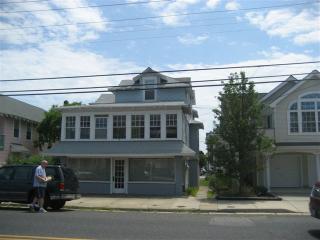 5 BD, Sleeps 10, Great for Families, Pet Friend - Ocean City vacation rentals
