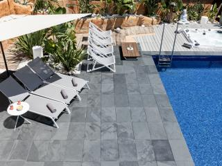 Fantastic townhouse with jacuzzi and sea view - Roses vacation rentals