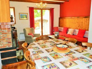 The Red House, Les Gîtes Condorcet - Torreilles vacation rentals