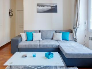 Jade- stylish 1bed Port area. SUPER DEALS TODAY - Nice vacation rentals