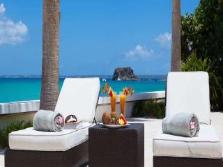 Luxury 6 bedroom Grand Case (French side) villa. Beachfront, gorgeous sunsets - Grand Case vacation rentals