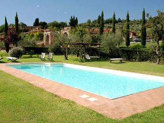 Casa Maria, Sleeps 10 - Capannori vacation rentals