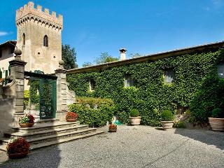 Villa di Montelopio, Sleeps 9 - Pisa vacation rentals