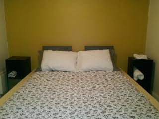 1bedroom apt 10 mins to Times Square - Union City vacation rentals
