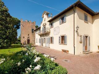 Villa Palazzo, Sleeps 12 - Castelfiorentino vacation rentals