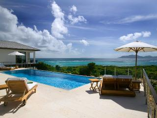 Anani - Kamique, Sleeps 8 - Little Harbour vacation rentals