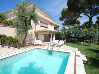 Villa Sorrento, Sleeps 10 - Sorrento vacation rentals