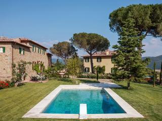 Villa Laura, Sleeps 20 - Cortona vacation rentals