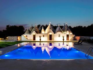 Baraquiel Villa, Sleeps 8 - San Michele Salentino vacation rentals