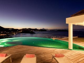 Coco, Sleeps 6 - Camaruche vacation rentals