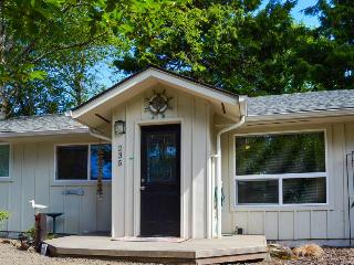 Pretty family home close to the beach, pets welcomed! - Gleneden Beach vacation rentals