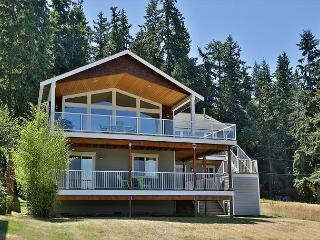 View home over Mutiny Bay on a quiet street! - Freeland vacation rentals